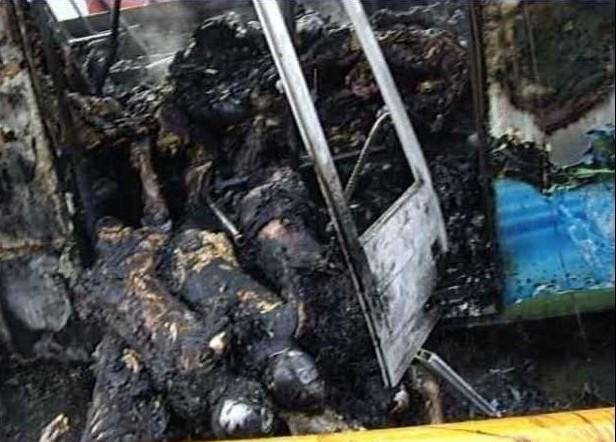 厦门BRT公交车起火,邪恶心理害死无辜的人